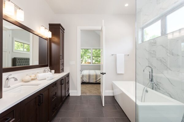 Crucial Bathroom Renovation Tips Every Homeowner Must Know